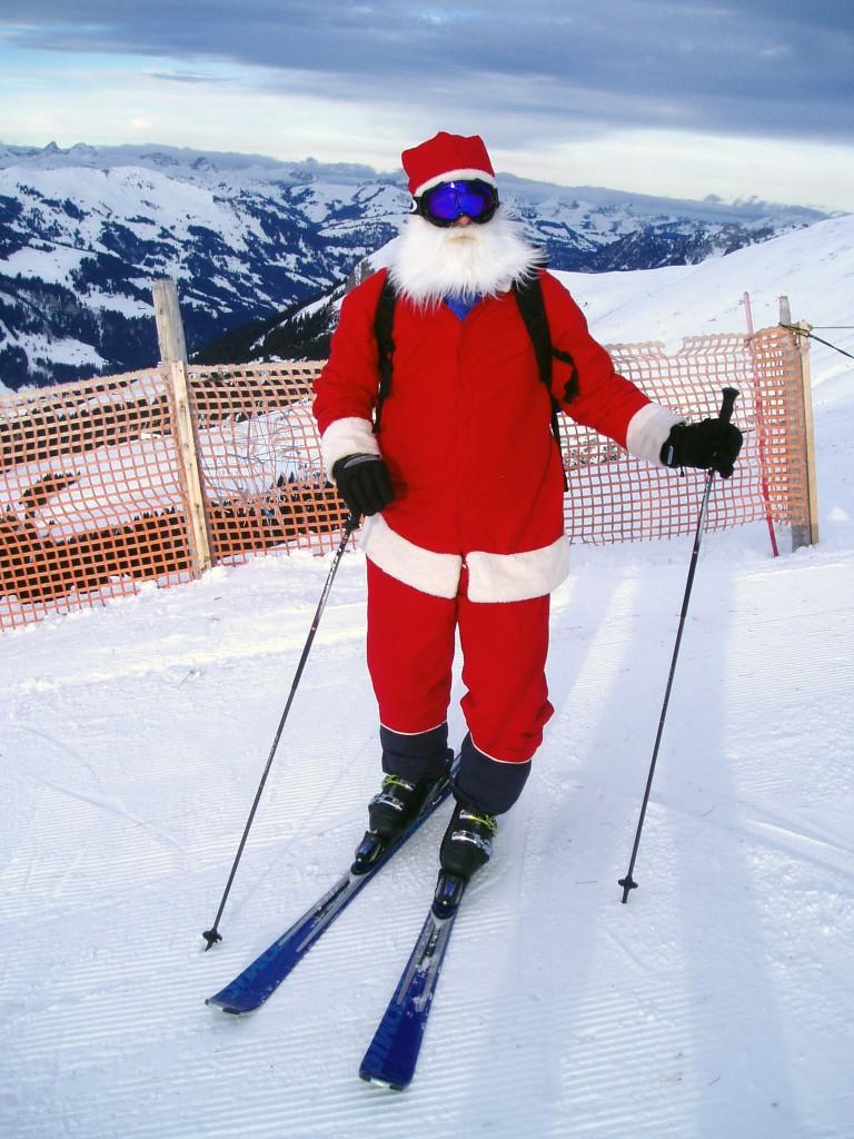 Santa_Clause_is_skiing_Alps2Alps-Blog