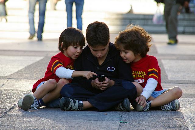 Kids-Playing-Videogames-Alps2Alps-Blog