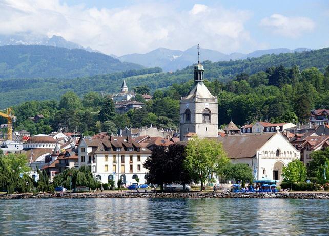 Evian-les-Bains church