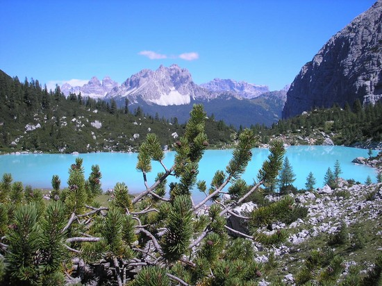 lake sorapis_cortina_d_ampezzo
