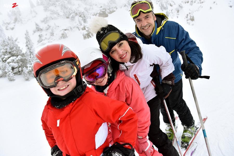 Alps2Alps-children skiing
