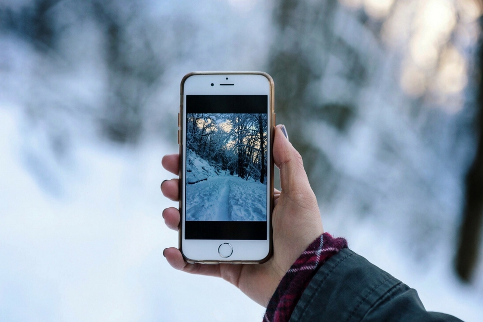 phone in snow - best ski apps