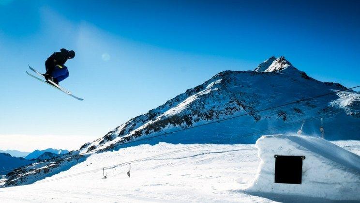 Ski jump - best events December