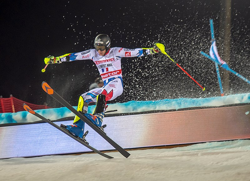 Male skier competing in Alpine Skiing World Cup